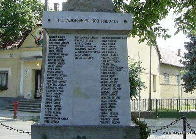 Döbrököz világháborús emlékmű 2011.06.13. küldő-Bagoly András (8)