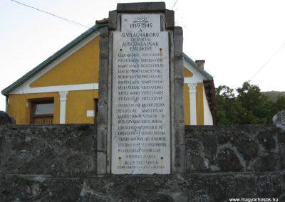 Dömös világháborús emlékhely 2007.09.15.küldő-Kályhás (2)
