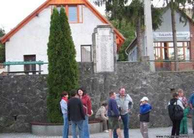 Dömös világháborús emlékhely 2007.09.15.küldő-Kályhás