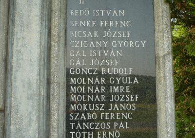 Dömefölde világháborús emlékmű 2009.05.23.küldő-Sümec (3)