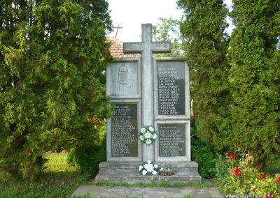 Dömefölde világháborús emlékmű 2009.05.23.küldő-Sümec