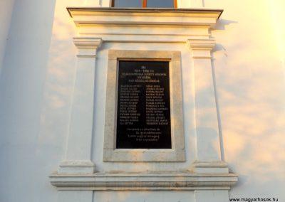 Dömsöd-Dab I. világháborús emléktábla 2015.10.31. küldő-kalyhas (2)