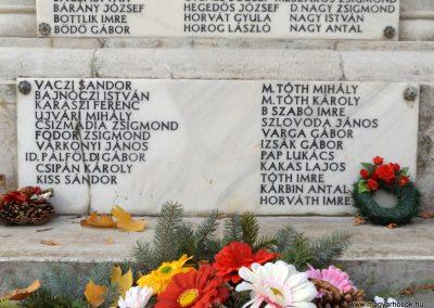Dömsöd világháborús emlékmű 2015.10.31. küldő-kalyhas (4)