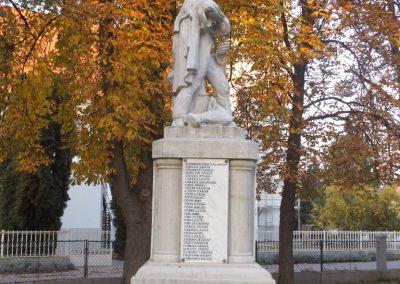 Dömsöd világháborús emlékmű 2015.10.31. küldő-kalyhas (5)