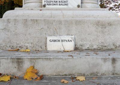 Dömsöd világháborús emlékmű 2015.10.31. küldő-kalyhas (7)