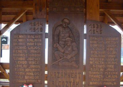 Döröske világháborús emlékmű 2009.01.10.küldő-gyurkusz (2)