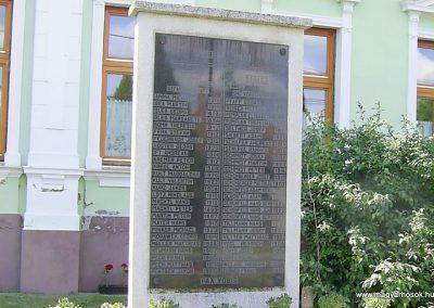 Dúzs világháborús emlékmű 2011.06.13. küldő-Bagoly András (4)