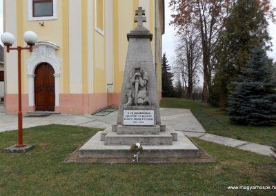 Dabas-Sári világháborús emlékmű 2015.11.27. küldő-kalyhas (1)