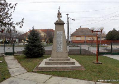 Dabas-Sári világháborús emlékmű 2015.11.27. küldő-kalyhas (10)