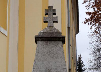 Dabas-Sári világháborús emlékmű 2015.11.27. küldő-kalyhas (2)