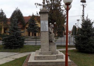 Dabas-Sári világháborús emlékmű 2015.11.27. küldő-kalyhas (5)