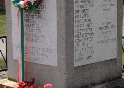 Darány világháborús emlékmű 2008.06.04.küldő-V3t3r4n (3)