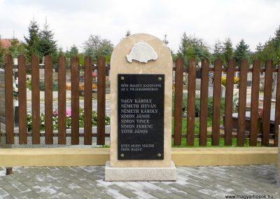 Daraboshegy világháborús emlékmű 2015.10.05. küldő-Méri (1)