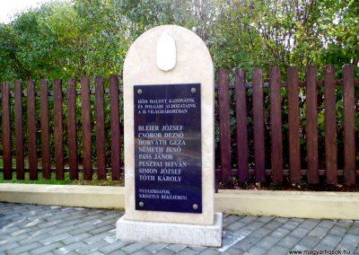 Daraboshegy világháborús emlékmű 2015.10.05. küldő-Méri (3)