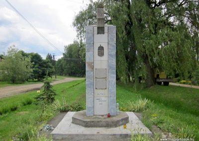 Debréte világháborús emlékmű 2014.06.15. küldő-kalyhas (1)