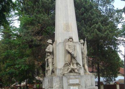 Debrecen Hősi emlékmű 2009.05.16.küldő-Huszár Peti (13)