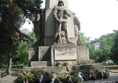 Debrecen Hősi emlékmű 2009.05.16.küldő-Huszár Peti (5)