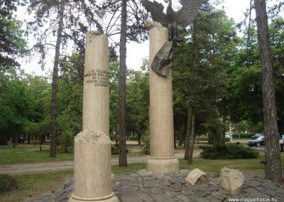 Debrecen II.vh emlékmű 2009.05.16. küldő-Huszár Peti