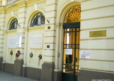 Debrecen Kossuth Gimnázium, volt Bocskai laktanya. I. és II. világháborús emléktáblák. 2017.07.15. küldő-Emese (4)