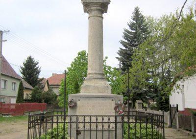 Dejtár világháborús emlékmű 2012.04.25. küldő-kalyhas (2)