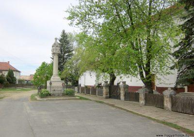 Dejtár világháborús emlékmű 2012.04.25. küldő-kalyhas