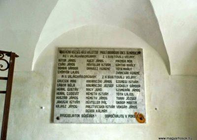 Deménd, I. világháborús emléktábla a katolikus templomban