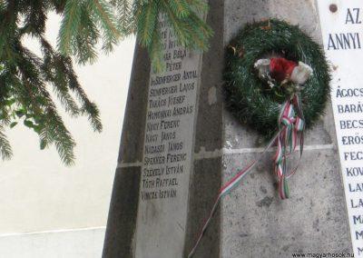 Demjén világháborús emlékmű 2007.07.11. küldő-Kályhás (3)