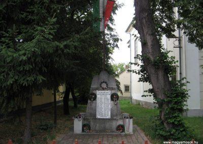 Demjén világháborús emlékmű 2007.07.11. küldő-kalyhas