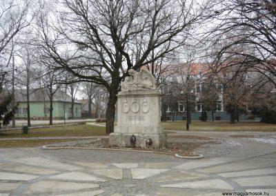 Derecske I.vh emlékmű 2008.12.30. küldő-Ágca