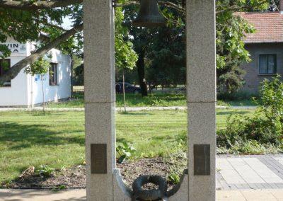 Derekegyháza II. világháborús emlékmű 2012.08.02. küldő-Sümec (2)