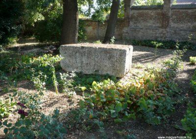 Deszk A katolikus templom kertje I. világháborús emlék 2012.07.12. küldő-Sümec (1)