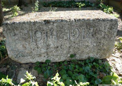 Deszk A katolikus templom kertje I. világháborús emlék 2012.07.12. küldő-Sümec (2)