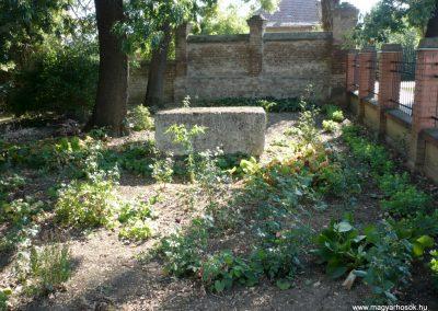 Deszk A katolikus templom kertje I. világháborús emlék 2012.07.12. küldő-Sümec