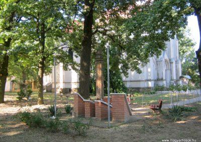 Deszk II. világháborús emlékmű 2015.07.12. küldő-Emese (1)