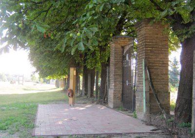 Deszk a Régi temető bejárata előtt a 2015. 05. 01-jén a testvérvárosokkal együtt avatott II. világháborús emlékoszlop 2015.07.12. küldő-Emese (5)
