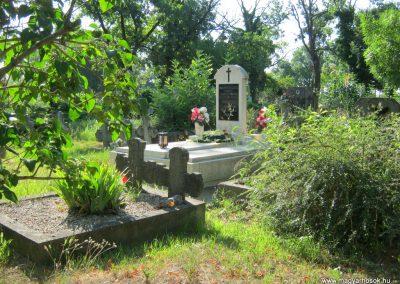 Deszk régi temető II. világháborús síremlék 2015.07.12. küldő-Emese (3)