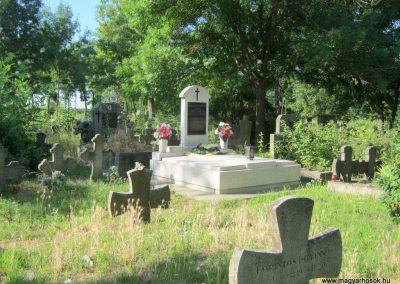 Deszk régi temető II. világháborús síremlék 2015.07.12. küldő-Emese