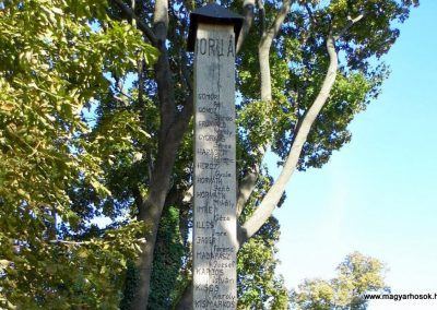 Devecser világháborús emlékmű 2013.10.08. küldő-Méri (4)