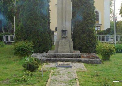 Diósd I.vh emlékmű 2008.04.28. küldő-Huszár Peti (2)