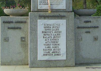 Dinnyeberki világháborús emlékmű 2009.10.02. küldő-Horváth Zsolt (3)