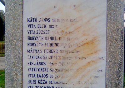 Dinnyeberki világháborús emlékmű 2010.10.24. küldő-KRySZ (1)