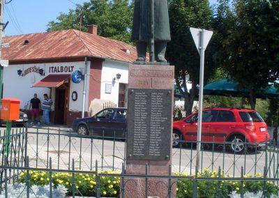 Diszel I. világháborús emlékmű 2012.08.04. küldő-Nerr (3)