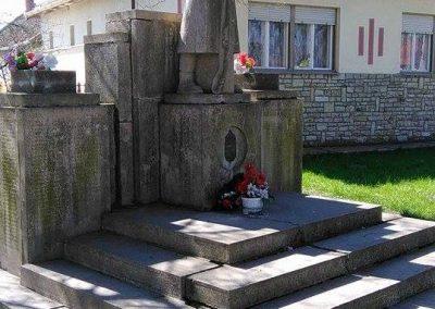 Doboz világháborús emlékmű 2016.03.25. küldő-miki (10)
