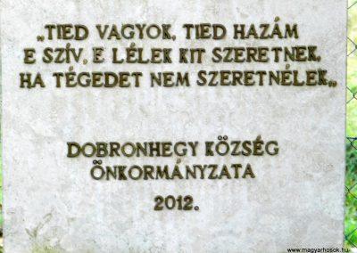 Dobronhegy II. világháborús emlékmű 2017.11.19. küldő-Huber Csabáné (2)