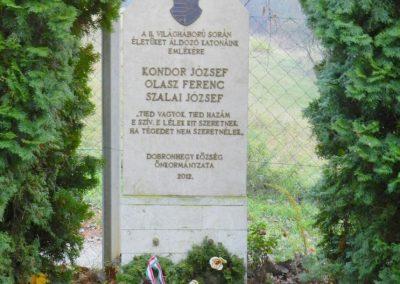 Dobronhegy II. világháborús emlékmű 2017.11.19. küldő-Huber Csabáné