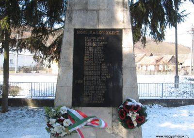 Domaháza világháborús emlékmű 2010.03.08. küldő-kalyhas (3)