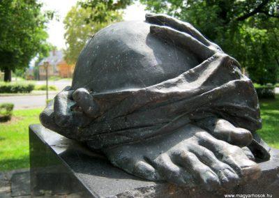 Dombóvár II. világháborús emlékmű 2016.07.21. küldő-Emese (2)