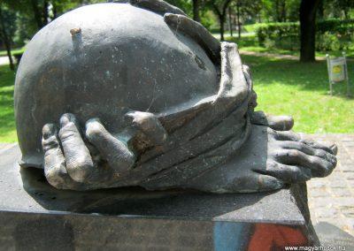 Dombóvár II. világháborús emlékmű 2016.07.21. küldő-Emese (3)
