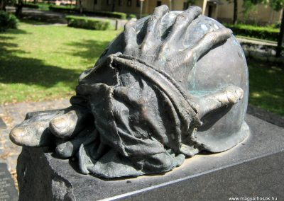 Dombóvár II. világháborús emlékmű 2016.07.21. küldő-Emese (4)