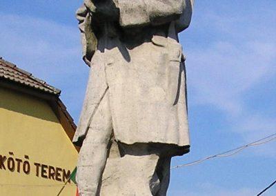 Dombrád I.vh emlékmű 2010.08.07. küldő-megtorló (2)